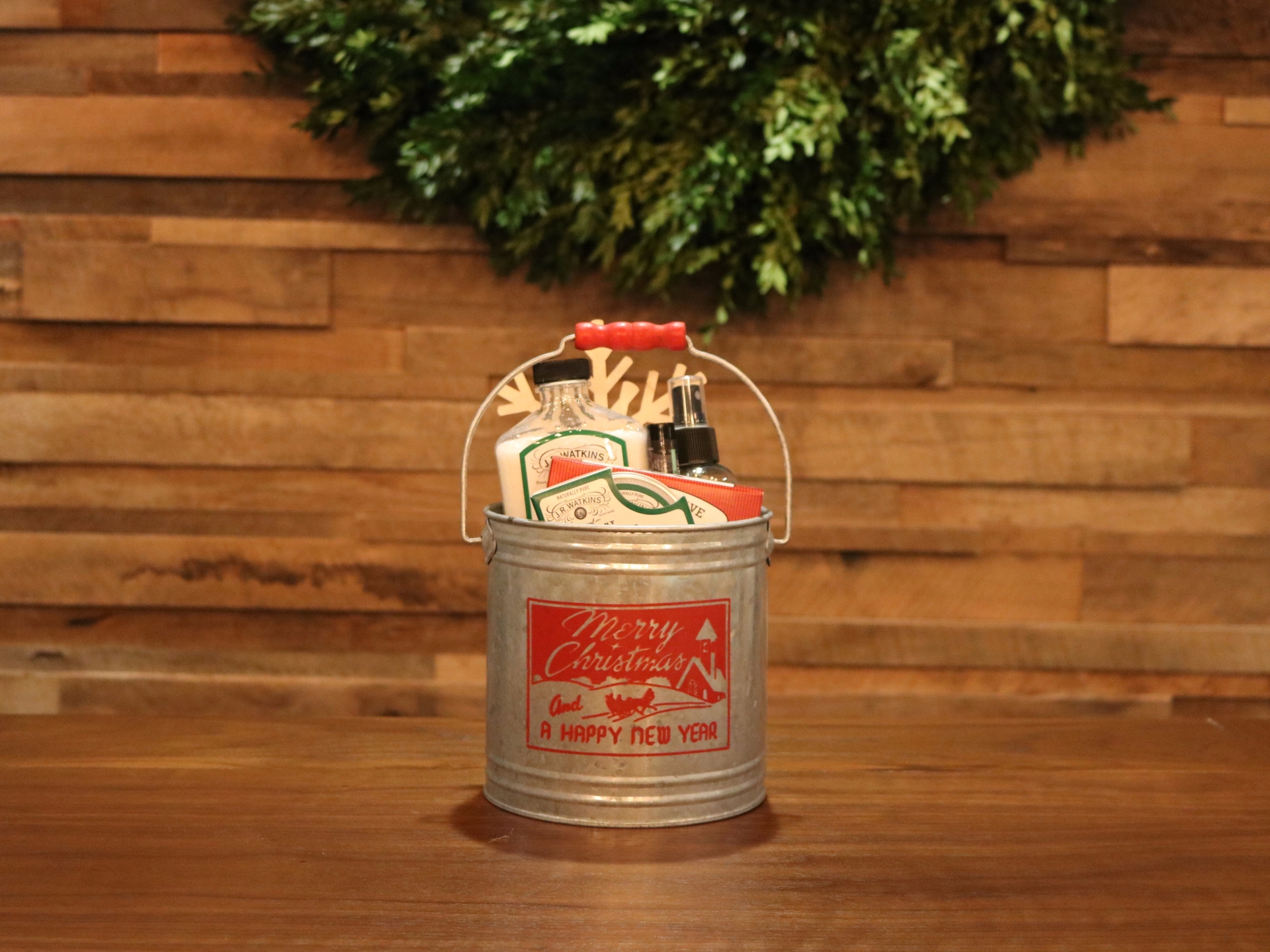 christmas-bucket-4.jpg